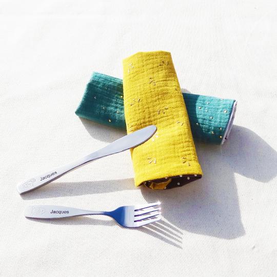 Bavoirs-fourchette-couteau-personnalisation